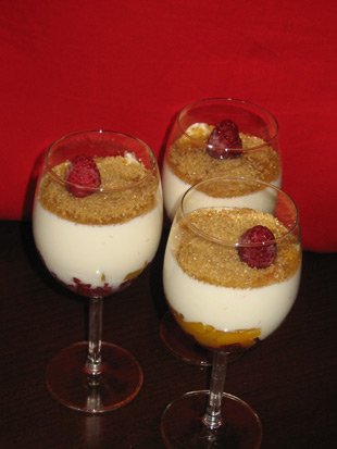 Himbeer-Pfirsich-Dessert