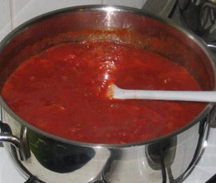Tomatensauce im Topf