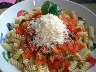 Pasta mit Paprika – Tomatensauce