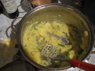 Kartoffeln zerstampfen