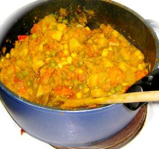 Kartoffel Curry im Topf