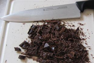 Schokolade klein schneiden