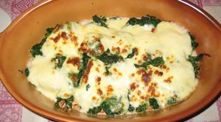 Blattpinat mit Mozarella, Walnüssen und Knoblauch