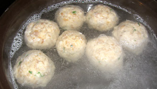 Semmelknödel im Kochtopf - Rezept Bild