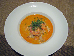 Kokos-Curry-Suppe mit Garneleneinlage