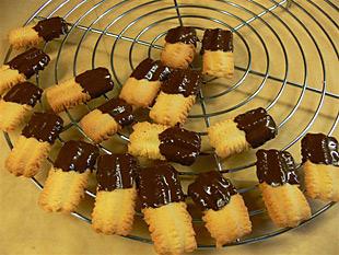 Spritzgebäck mit Schokolade