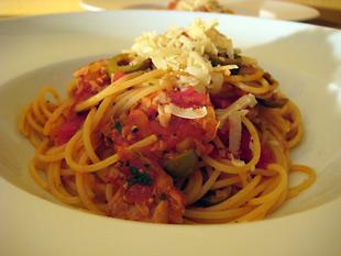 Spaghetti mit Thunfisch und Tomate