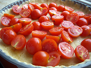 Tomatentarte in der Form