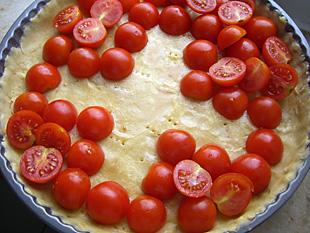 Tomaten in Schweizer Flagge Form