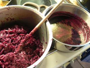 Rotkohl und Rotweinreduktion