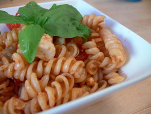 Italienischer Nudelsalat mit griechischem Einfluss