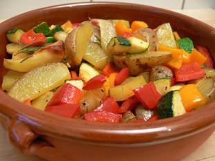 Ofenkartoffeln mit Rosmarin, Paprika und Zucchini