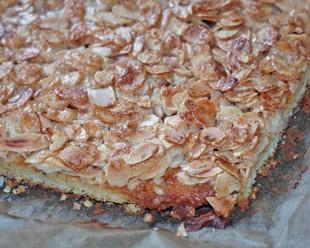 Butterkuchen mit Mandelblätter vom Blech