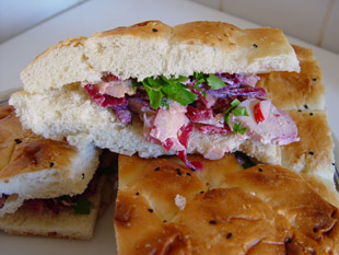 Pita-Brot mit Hähnchen-Apfel-Füllung