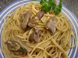 Spaghetti mit Hühnerleber