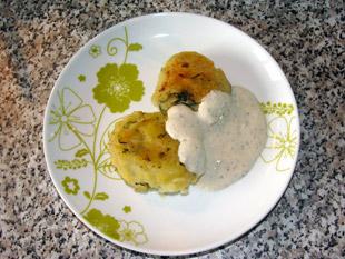 Kartoffelkebap auf Teller angerichtet