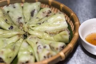 Banh Cuon (gedämpfte Reismehlröllchen)