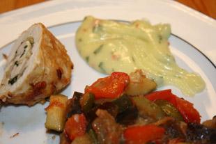 Kartoffelpüree mal anders, angerichtet mit Involtini und Ratatouille