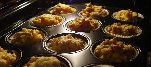 kaese-zwiebel-muffins-im-ofen