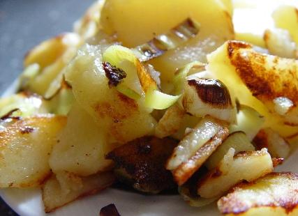 Bratkartoffeln-mit-Lauch