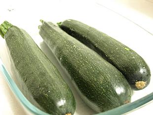 3 Zucchinis in Auflaufform