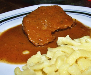 Rinderbraten-angerichtet