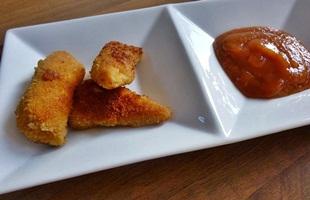 Mini-Hähnchenschitzel mit Currysauce