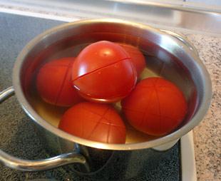 Tomaten überbrühen