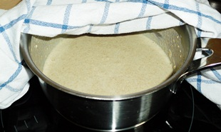 Mehl-Milch-Mischung gehen lassen