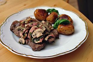 Bistecchine alla napoletana - Geschmorte Rindersteaks auf Italienisch