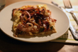 Zwiebel-Ricotta-Tarte mit Greyerzer und Speck